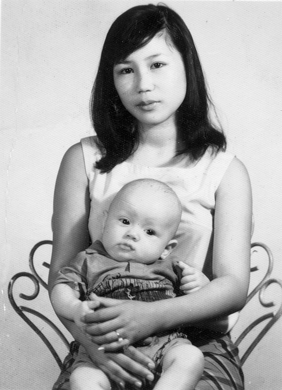 Chen Yu-chu and her first son, Tony Coolidge